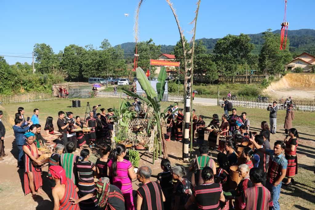 Độc đáo lễ hội Aza Koonh truyền thống huyện A Lưới 157