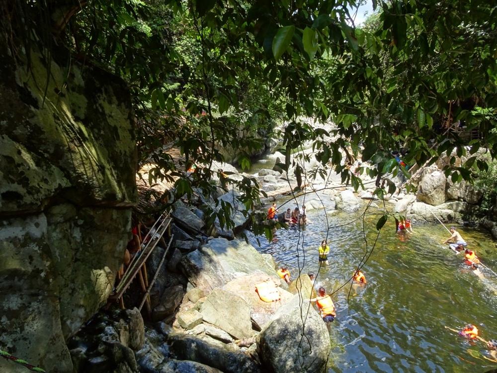 Ngày Hè Về A Lưới Tắm Suối Pâr Le 174