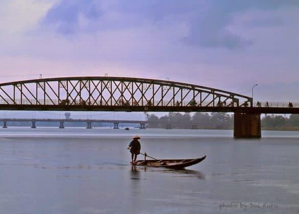 Sông Hương một chiều mưa, 1990.