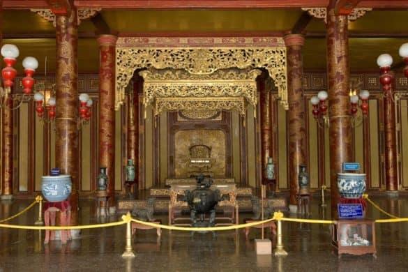 Ngai vàng ở Điện Thái Hòa
