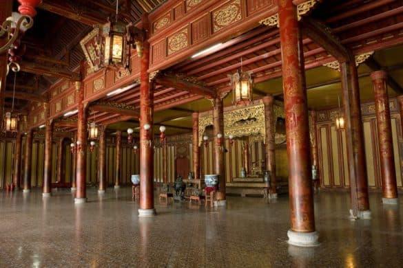 Nội thất Điện Thái Hòa