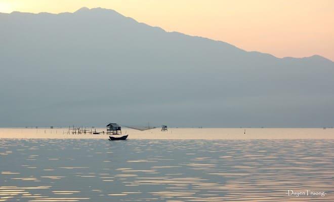 Vượt đèo Hải Vân, ngắm mặt trời lặn bên đầm Lập An 174
