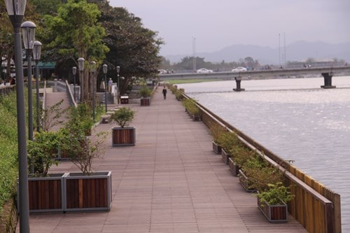 Chính thức đưa vào hoạt động cầu gỗ lim trên sông Hương 162