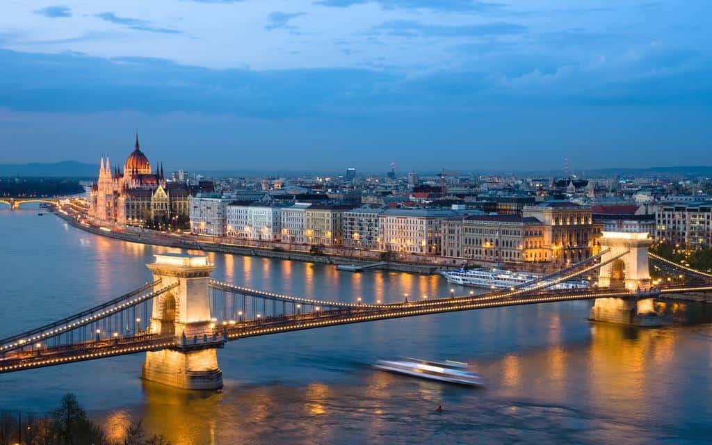 Khám phá 7 thành phố lãng mạn nhất châu Âu 160