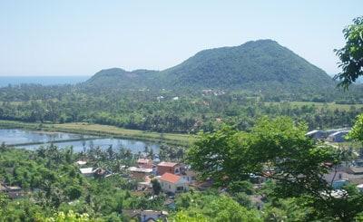 Tham nui Tuy Van Hue