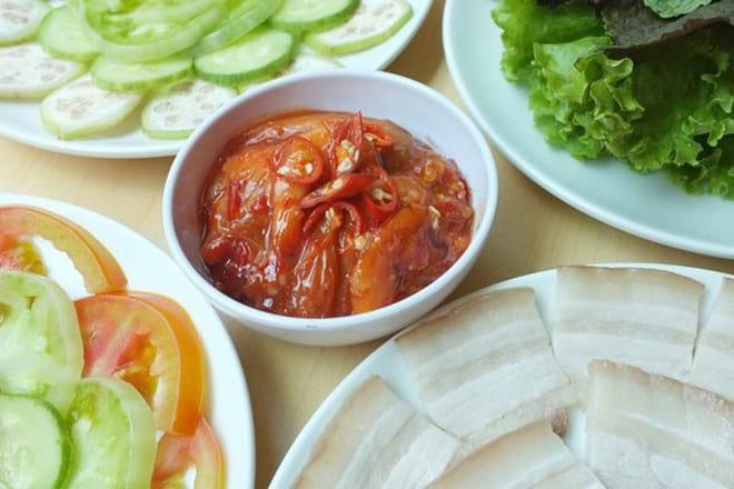 Ở Huế có một loại đồ chấm với thịt luộc cực ngon, bảo đảm ai ăn một lần cũng mê mẩn 144
