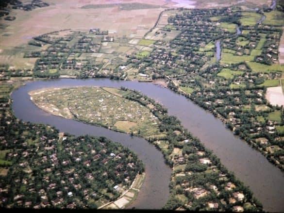 Cảnh đẹp như tranh ở một khúc sông Ô Lâu.