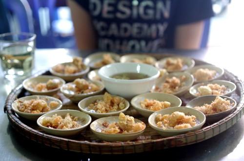 Một suất bánh bèo chén ở Huế.