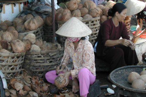 Chợ Đông Ba 166