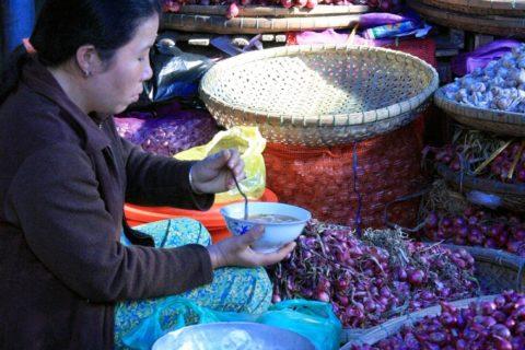 Chợ Đông Ba 138