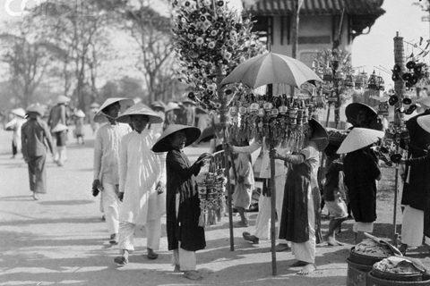 Chợ Đông ba những ngày giáp tết xưa