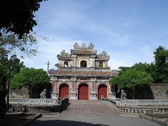 Các cổng vào Hoàng thành Huế 133