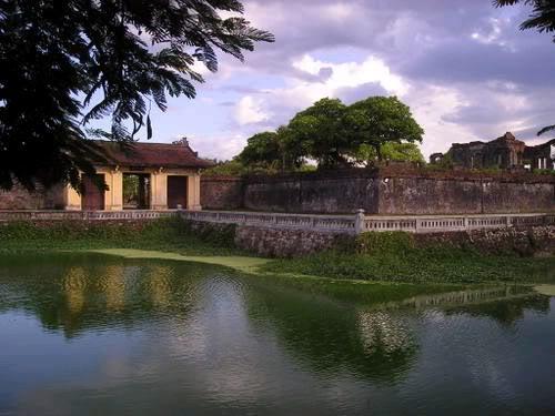 Các cổng vào Hoàng thành Huế 135