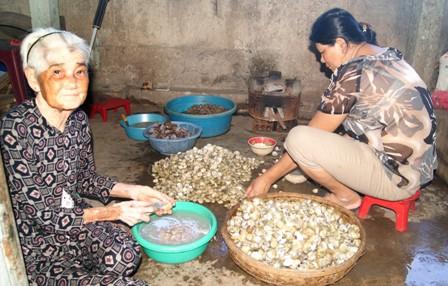 Đặc sản mắm sò Lăng Cô Huế 142
