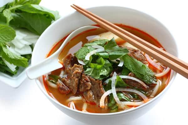 Bún bò Huế, một trong những món ăn nổi tiếng cố đô Huế