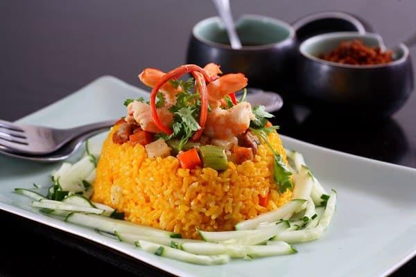 Cơm âm phủ, một trong những món ăn nổi tiếng cố đô Huế