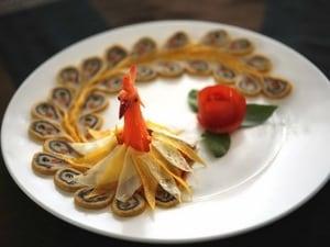 Món nem công, chả phượng của ẩm thực Huế. (Ảnh: Quốc Việt/Vietnam+)