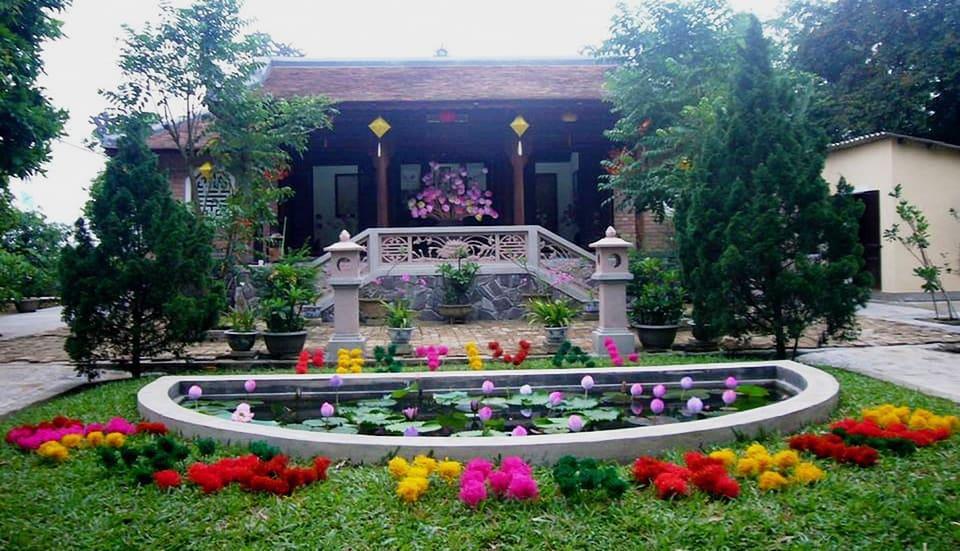 Họa sĩ làm sống lại hoa sen giấy Thanh Tiên 140