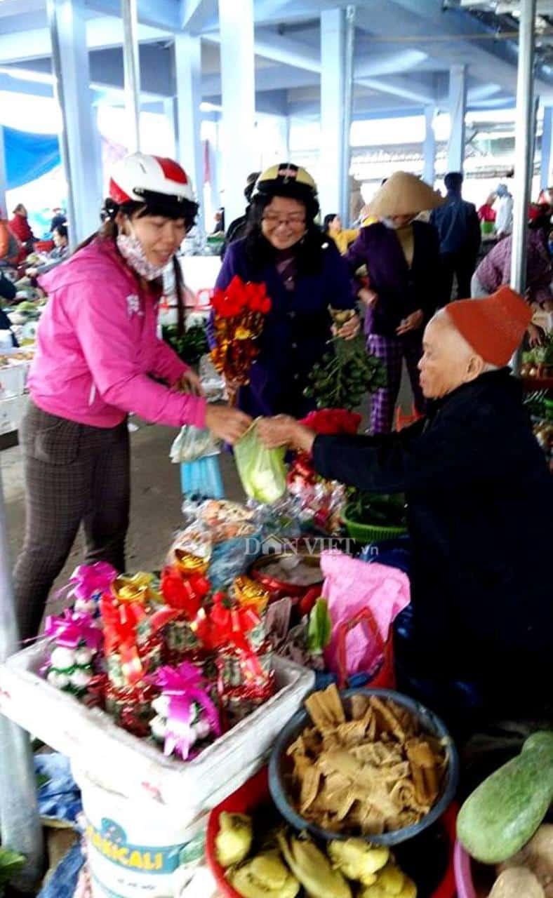 Thân thương chợ quê Hương Toàn Huế 125
