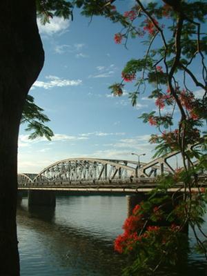 Trường Tiền: Thăng trầm của một cây cầu lịch sử 153