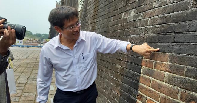 Xem chuyên gia Đức làm sạch Ngọ Môn - Huế bằng công nghệ tiên tiến - ảnh 5