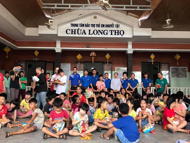 Mang Tết thiếu nhi đến với nhiều em nhỏ khó khăn tại TP Huế