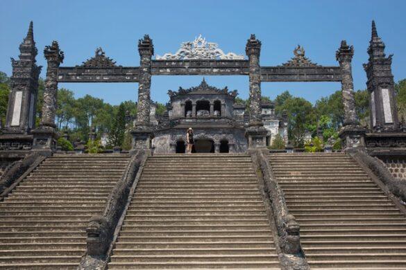 Cổng tam quan bề thế của lăng vua Khải Định, vị vua thứ 12 của nhà Nguyễn. Ảnh: Marc Molenaar / 500px.com.