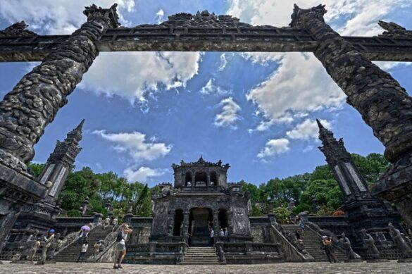 Một ngày đẹp trời ở lăng Khải Định. Ảnh: Chulhoon Jeong / 500px.com.