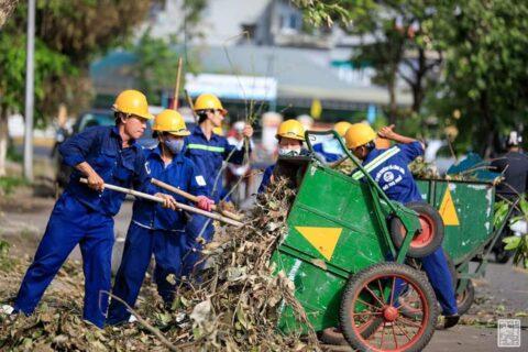 Lời cảm ơn, tri ân Cô Chú Anh Chị công nhân vệ sinh môi trường Huế sau cơn bão số 5 142
