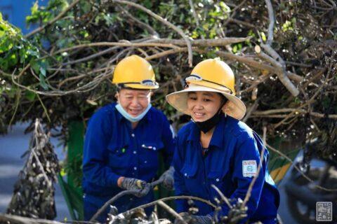 Lời cảm ơn, tri ân Cô Chú Anh Chị công nhân vệ sinh môi trường Huế sau cơn bão số 5 160