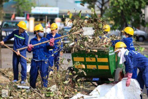 Lời cảm ơn, tri ân Cô Chú Anh Chị công nhân vệ sinh môi trường Huế sau cơn bão số 5 162
