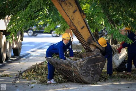 Lời cảm ơn, tri ân Cô Chú Anh Chị công nhân vệ sinh môi trường Huế sau cơn bão số 5 166