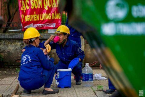 Lời cảm ơn, tri ân Cô Chú Anh Chị công nhân vệ sinh môi trường Huế sau cơn bão số 5 170