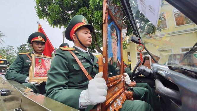 Những hình ảnh xúc động trong lễ truy điệu 13 chiến sĩ hy sinh