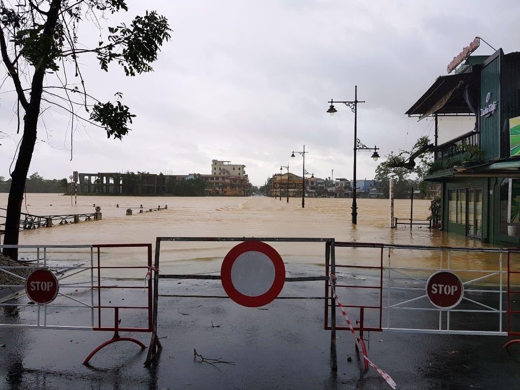 Mưa lũ tiếp tục diễn biến phức tạp, Thừa Thiên-Huế sơ tán hơn 7.000 người 138