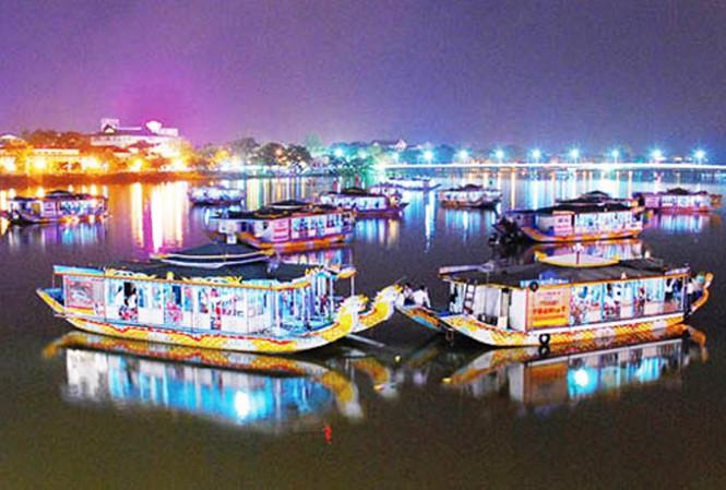 Biểu diễn ca Huế trên sông Hương bắt buộc kết nối camera giám sát 149