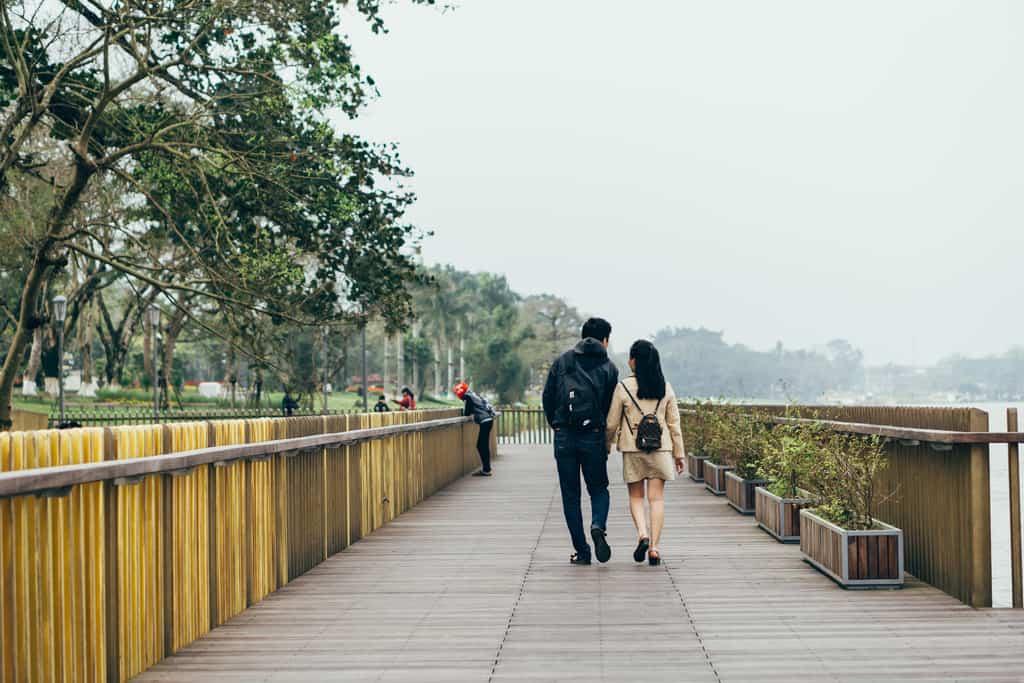 Tản bộ dọc sông Hương, ngắm nhìn một Huế rất đời thường 206
