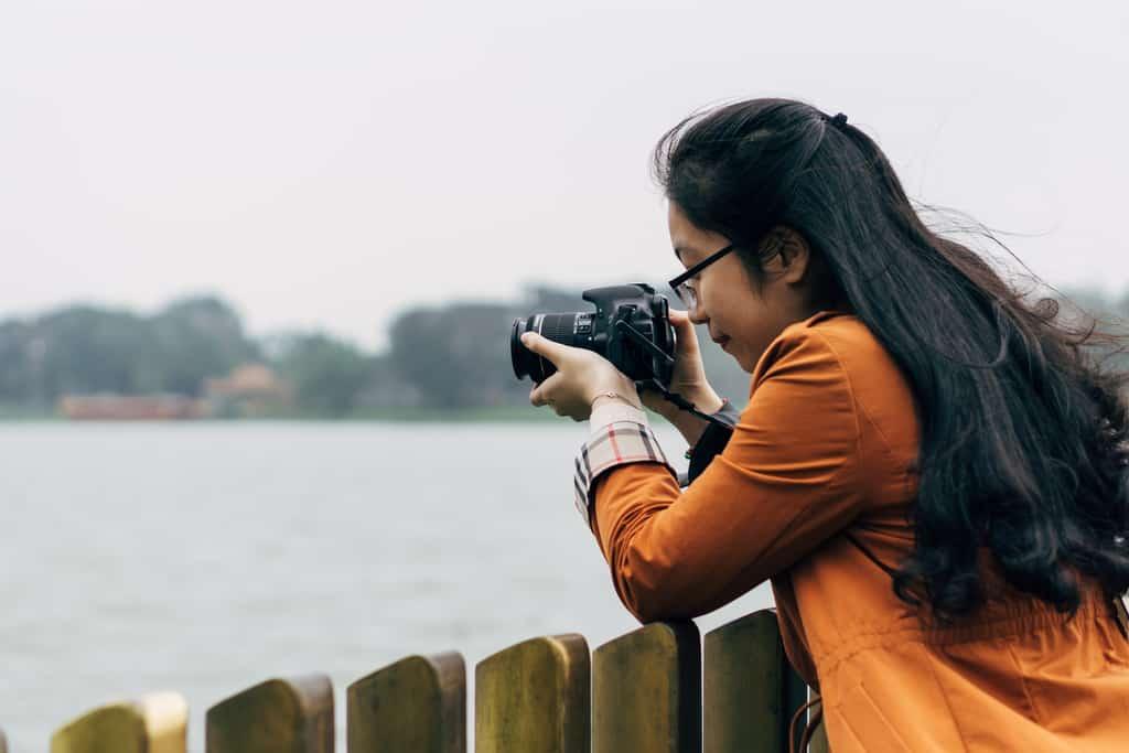 Tản bộ dọc sông Hương, ngắm nhìn một Huế rất đời thường 214