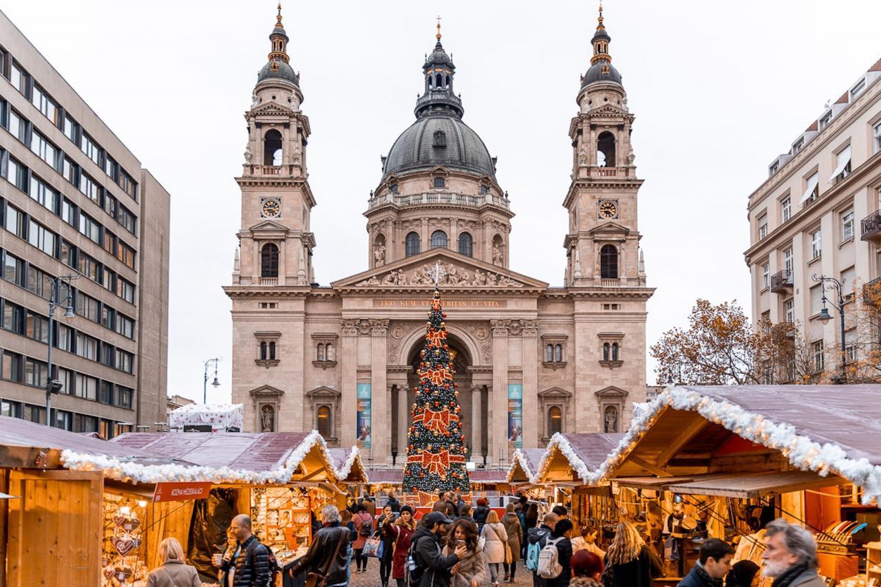 Khung cảnh Giáng Sinh tuyệt đẹp trên thế giới