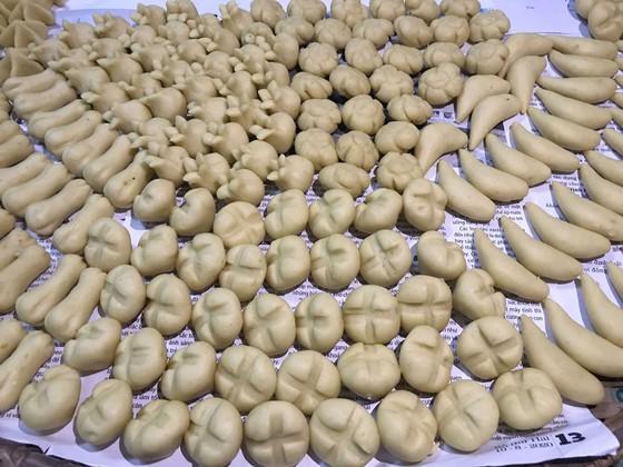 Độc đáo hương vị tết ở cố đô Huế qua bánh trái cây 156
