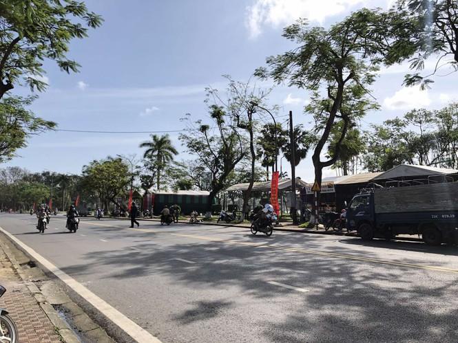 Chợ hoa Tết xứ Huế 'nóng lòng' chờ khách mua 162