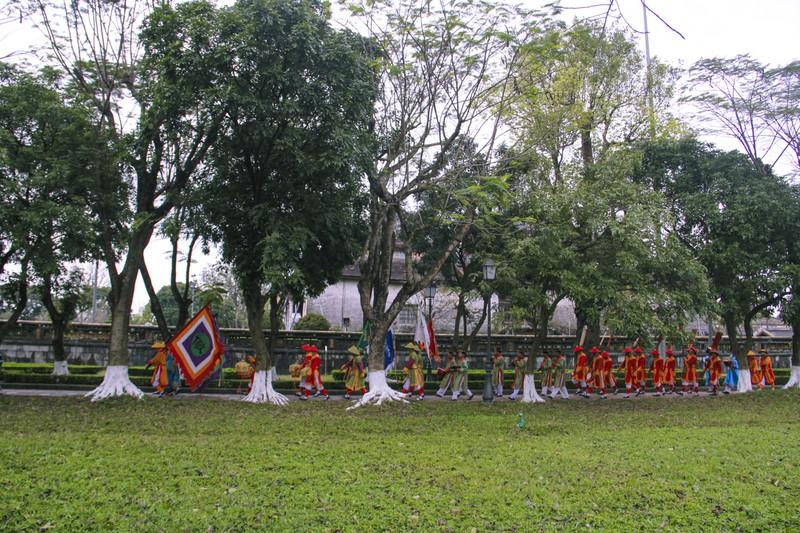 Huế: Dựng cây nêu hoàng cung nhà Nguyễn để cầu bình an 164