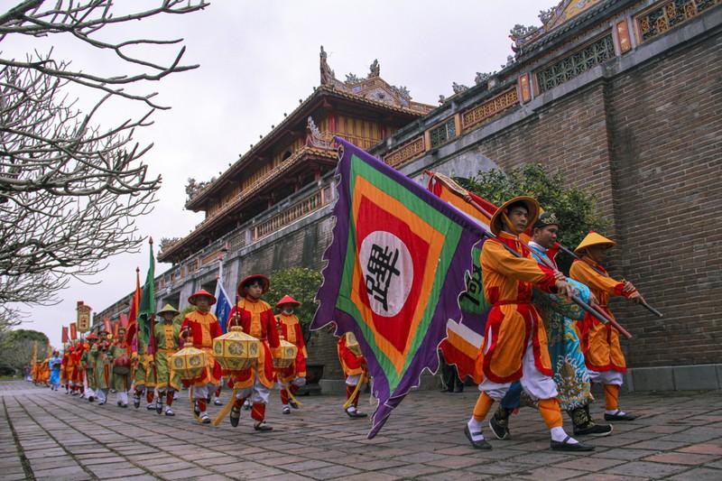Huế: Dựng cây nêu hoàng cung nhà Nguyễn để cầu bình an 158