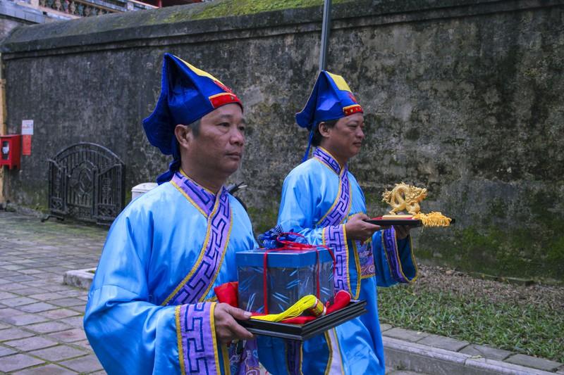 Huế: Dựng cây nêu hoàng cung nhà Nguyễn để cầu bình an 162