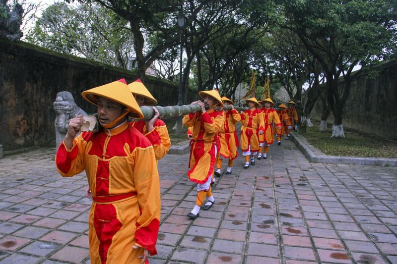 Huế: Dựng cây nêu hoàng cung nhà Nguyễn để cầu bình an 160