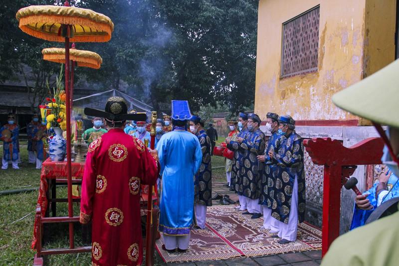 Huế: Dựng cây nêu hoàng cung nhà Nguyễn để cầu bình an 168